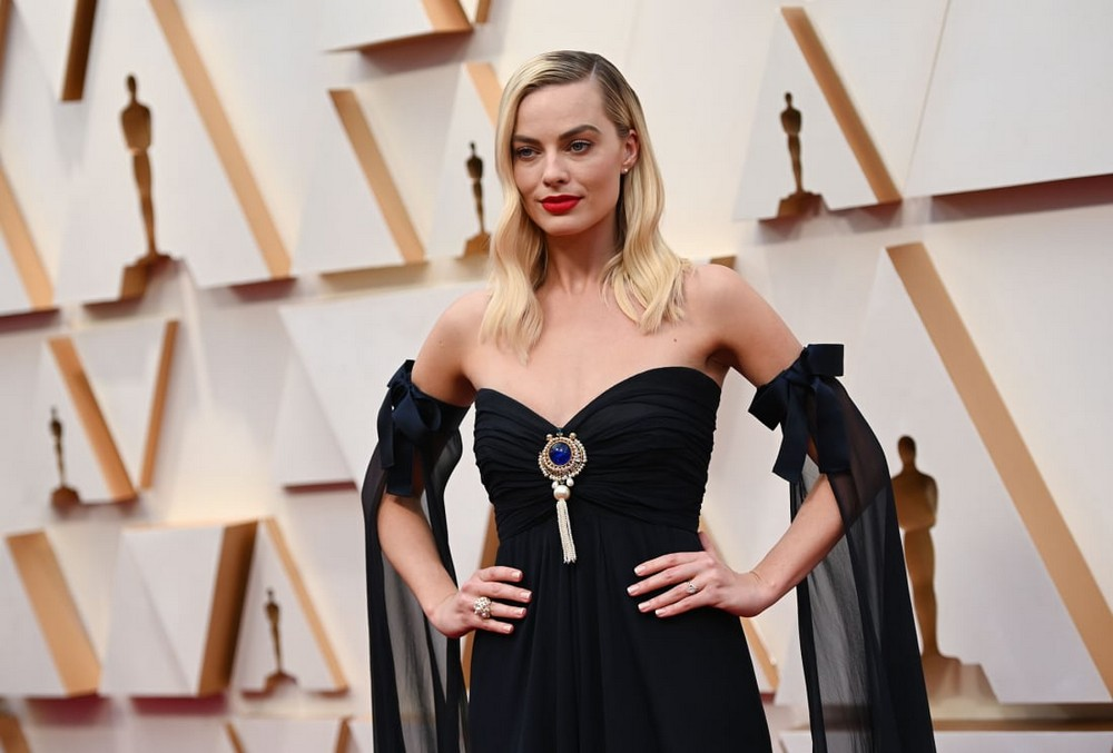 oscars 2020 Oscars 2020: Statement Sleeves in Fashion on the Red Carpet Oscars 2020 Sleeves were Certainly in Fashion at the Red Carpet 7