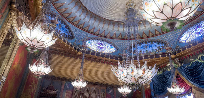 5 Amazing Sculptural Chandeliers Found in Historic Buildings in the UK most iconic chandeliers Most Iconic Chandeliers In The World featured 6 most iconic chandeliers Most Iconic Chandeliers In The World featured 6