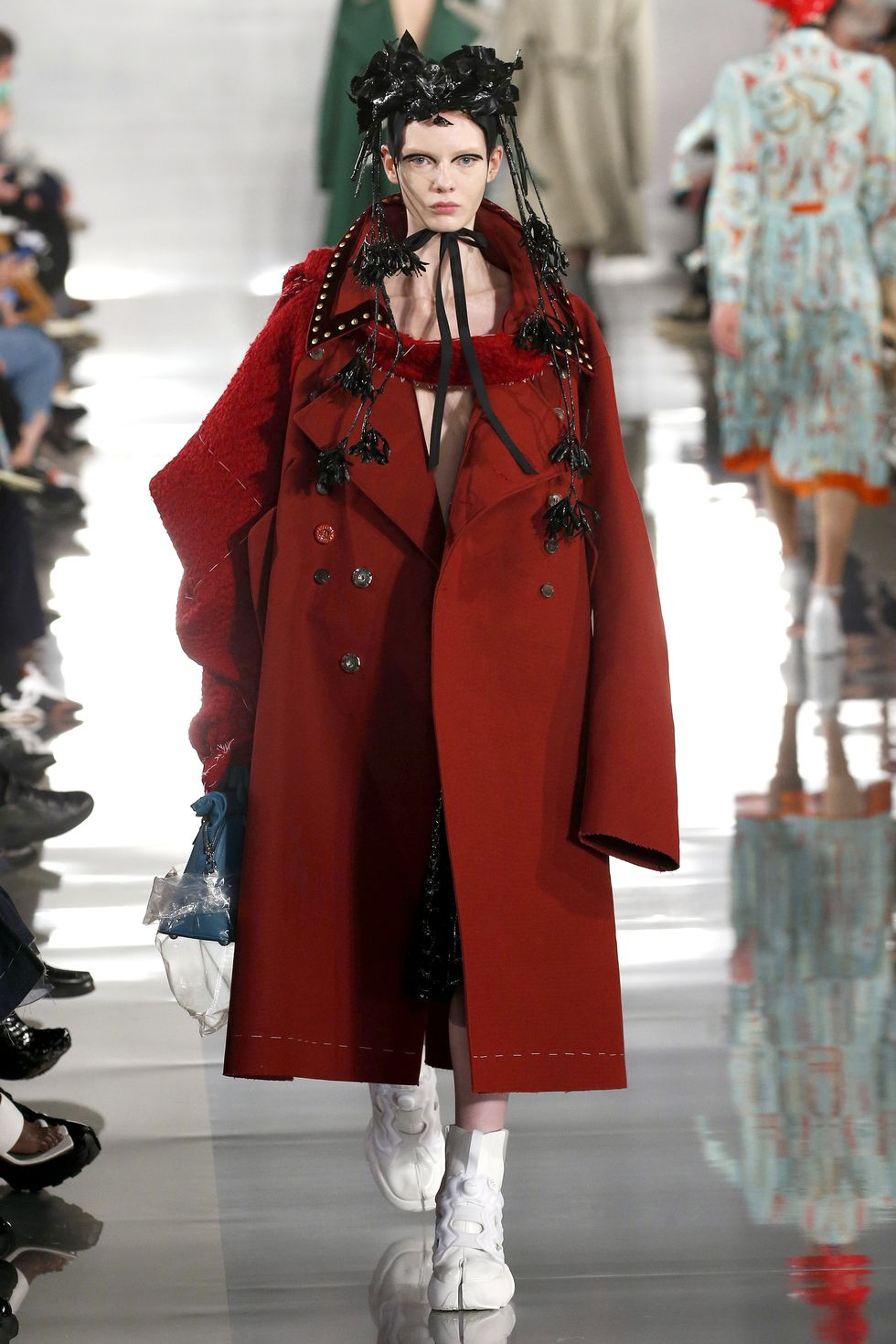 Be Amazed By Paris Fashion Week 2020's Runway Looks paris fashion week 2020 Be Amazed By Paris Fashion Week 2020's Runway Looks gettyimages 1208803274
