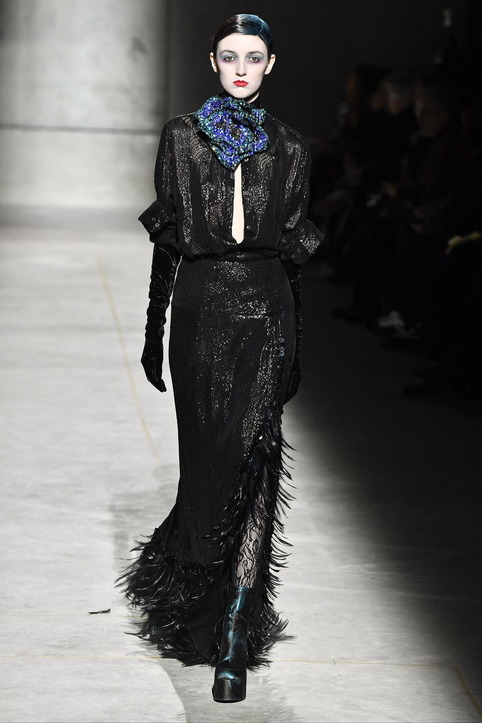 Be Amazed By Paris Fashion Week 2020's Runway Looks paris fashion week 2020 Be Amazed By Paris Fashion Week 2020's Runway Looks model walks the runway during the dries van noten ready to news photo 1582796014