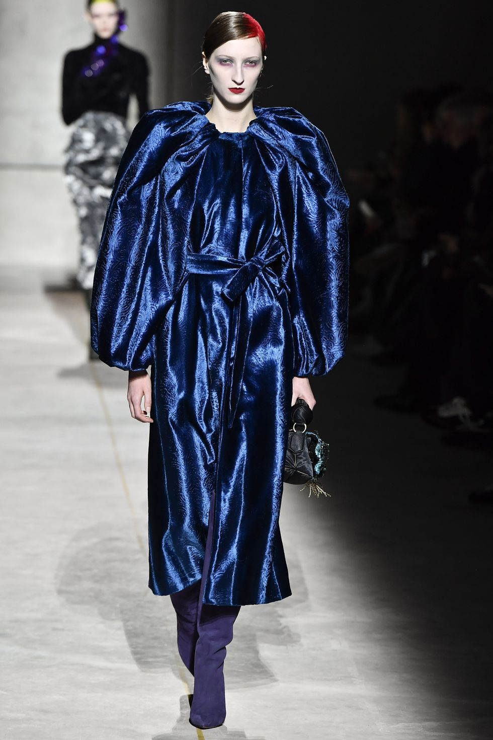 Be Amazed By Paris Fashion Week 2020's Runway Looks paris fashion week 2020 Be Amazed By Paris Fashion Week 2020's Runway Looks model walks the runway during the dries van noten ready to news photo 1582796038