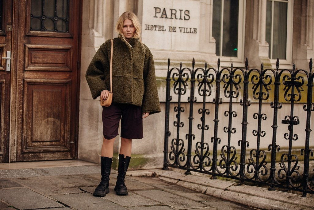 Street Style Tips From Paris Fashion Week 2020 paris fashion week 2020 Street Style Tips From Paris Fashion Week 2020 00005PARIS DAY7 Vogueint 2mar20 credit Jonathan Daniel Pryce 300