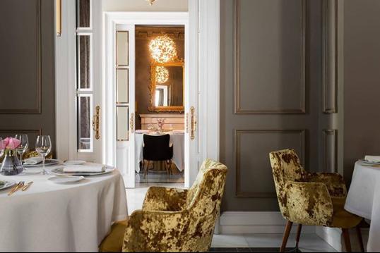 La Casa de Manolete Bistró la casa de manolet La Casa de Manolet Bistró: a Palace Restaurant in Spain 03