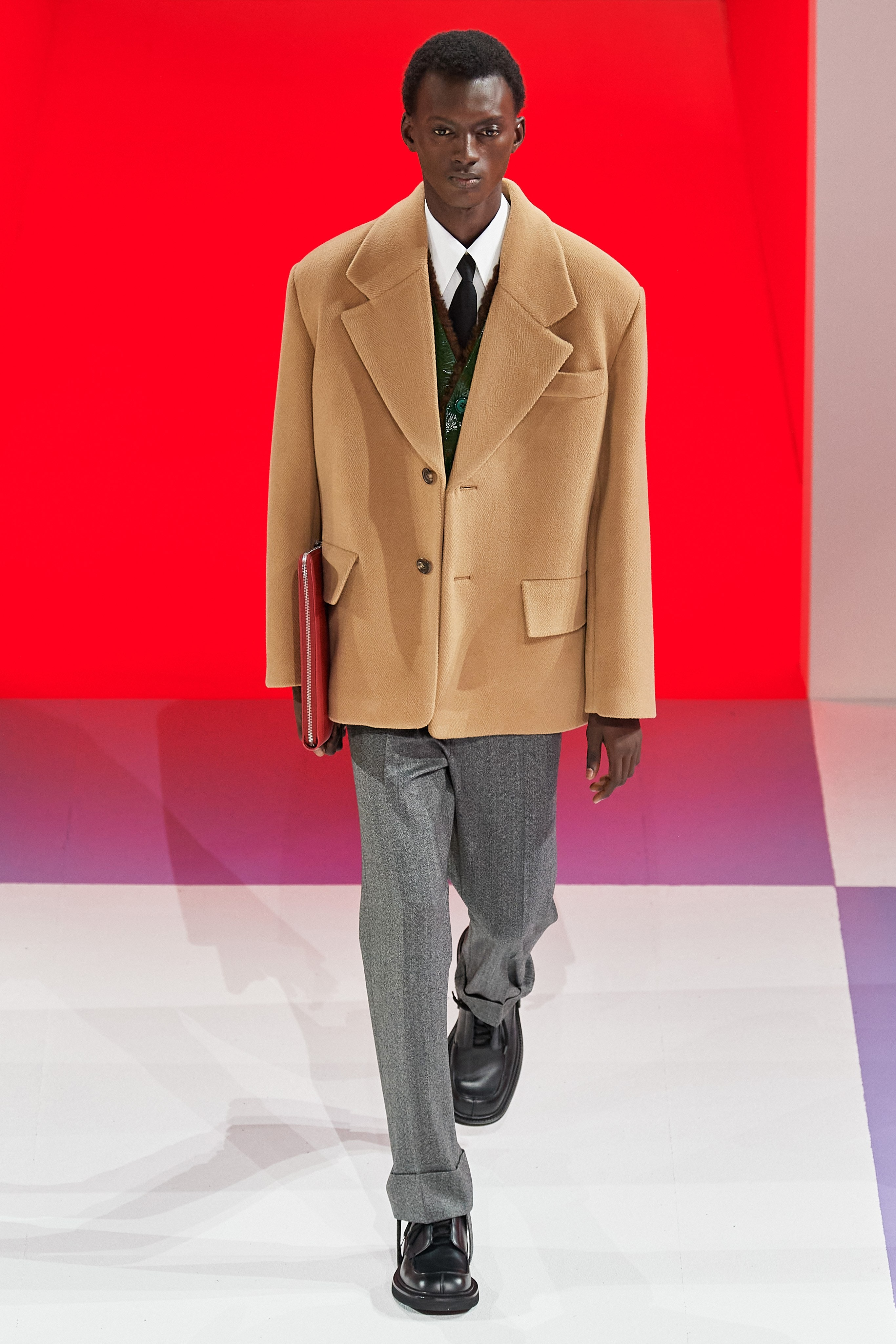 A Look at the Prada Fall 2020 Menswear Collection prada fall 2020 A Look at the Prada Fall 2020 Menswear Collection FIO1779