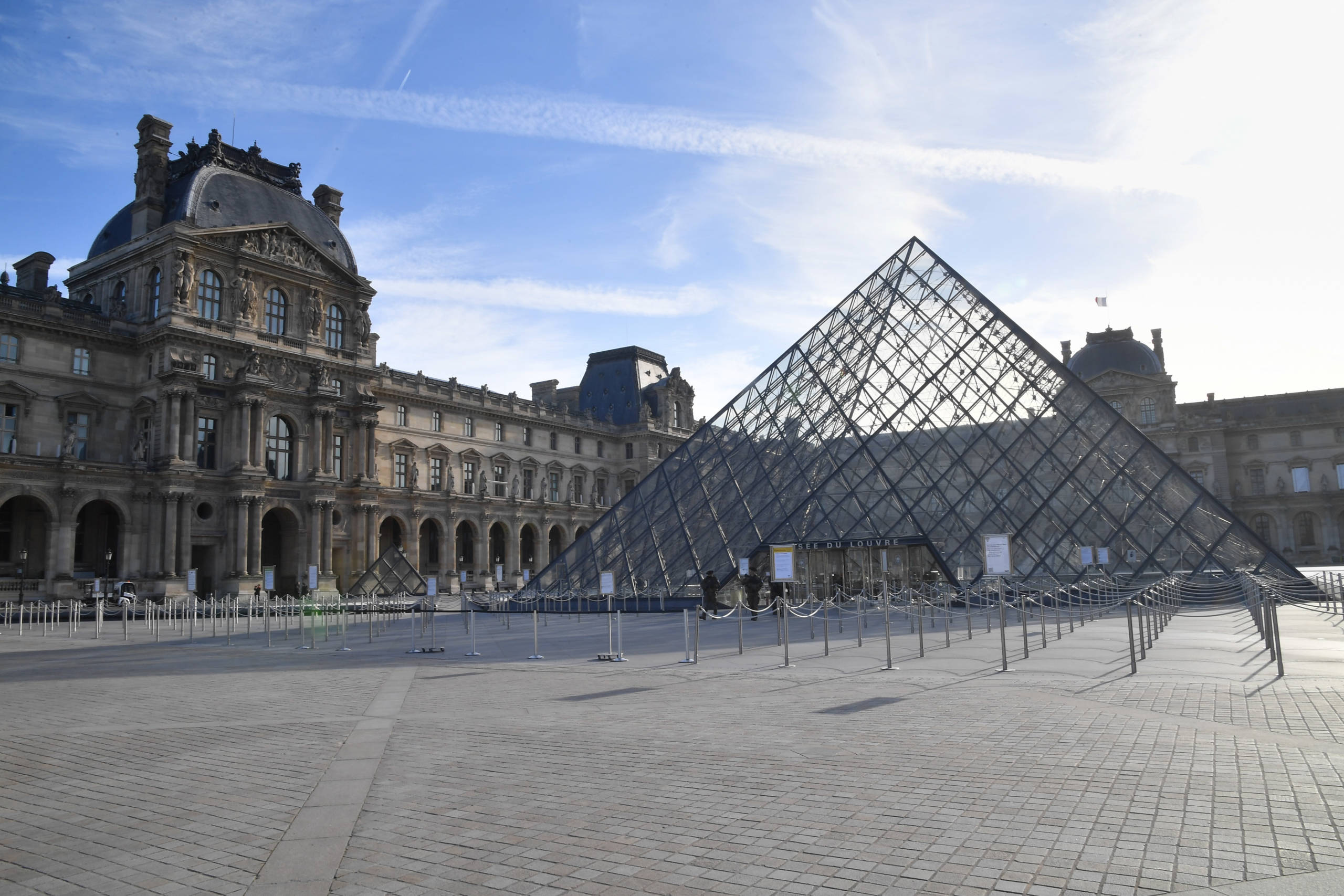 Museum Virtual Tours You Can't Miss museum virtual tour Museum Virtual Tours You Can't Miss GettyImages 1212551895 scaled