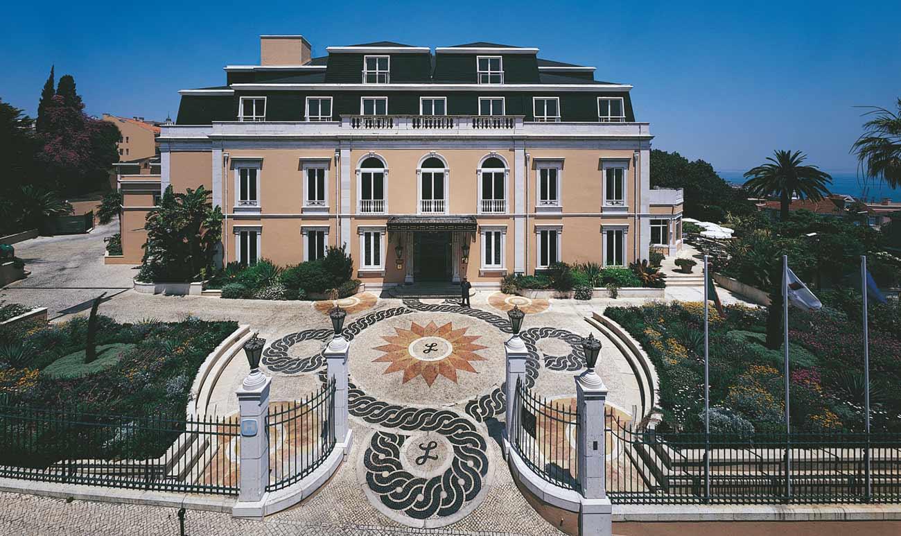 5 Royal Palaces Turned Luxury Hotels To Visit luxury hotels 5 Royal Palaces Turned Luxury Hotels olissippo lapa palace hotel 1