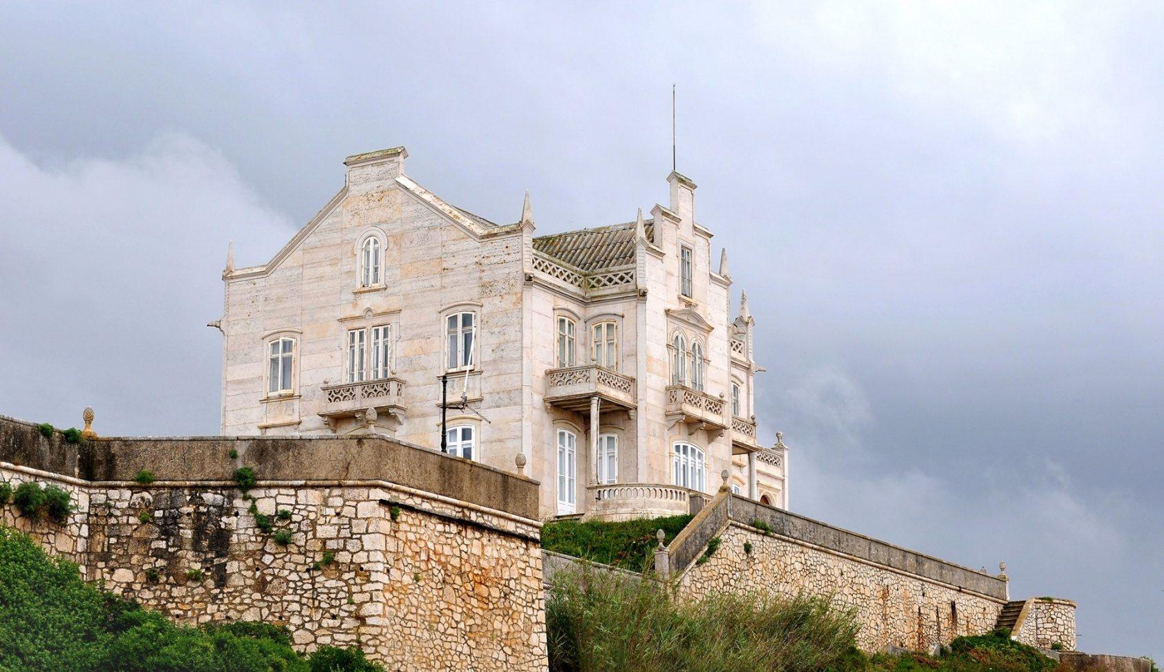 Interior Design Project: A Lisbon Palace Renovation interior design project Interior Design Project: A Portuguese Palace Renovation 6165391 e1586946539502