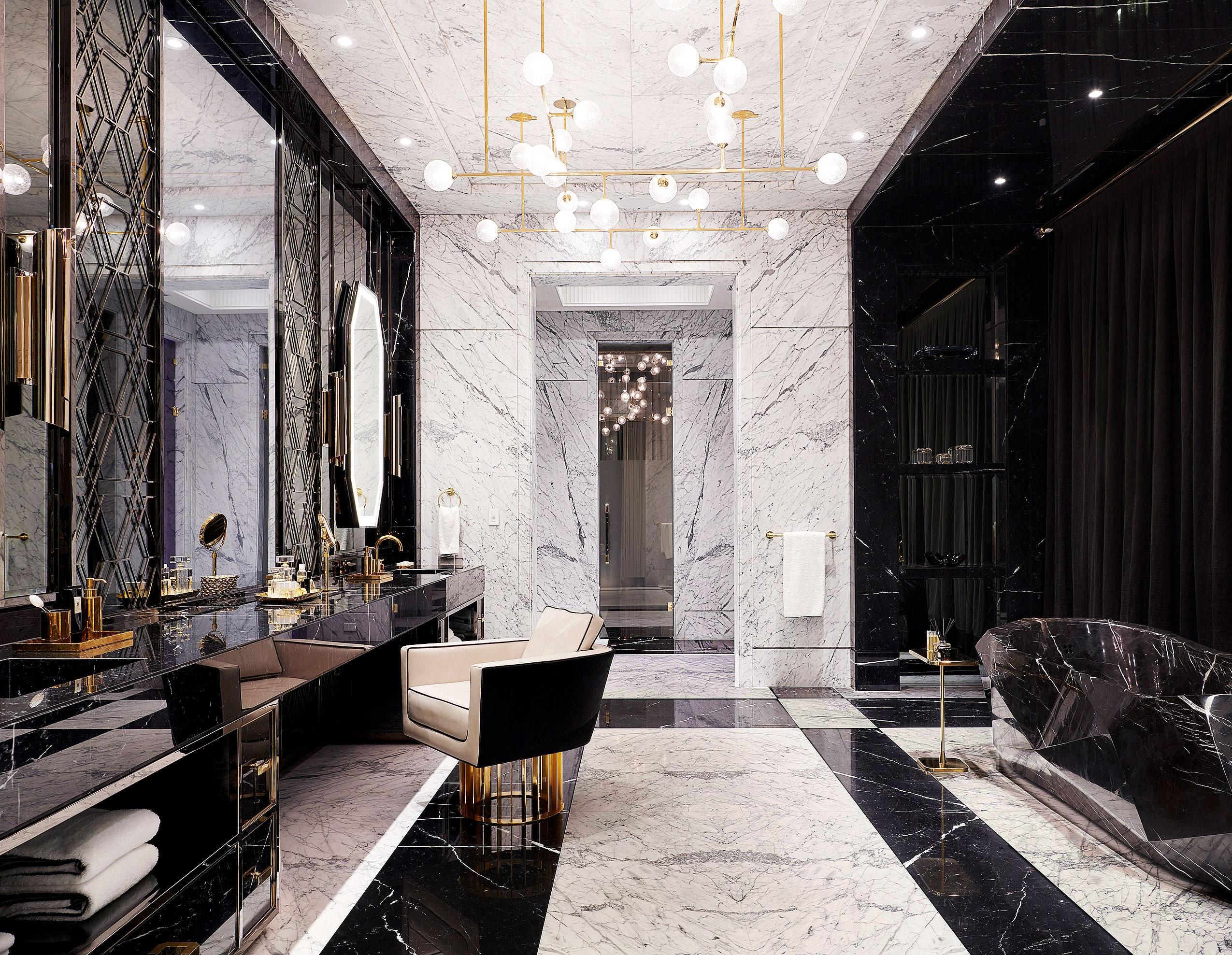 Inside Drake's Luxurious Toronto Home drake Inside Drake's Luxurious Toronto Home AD0520 DRAKE 13