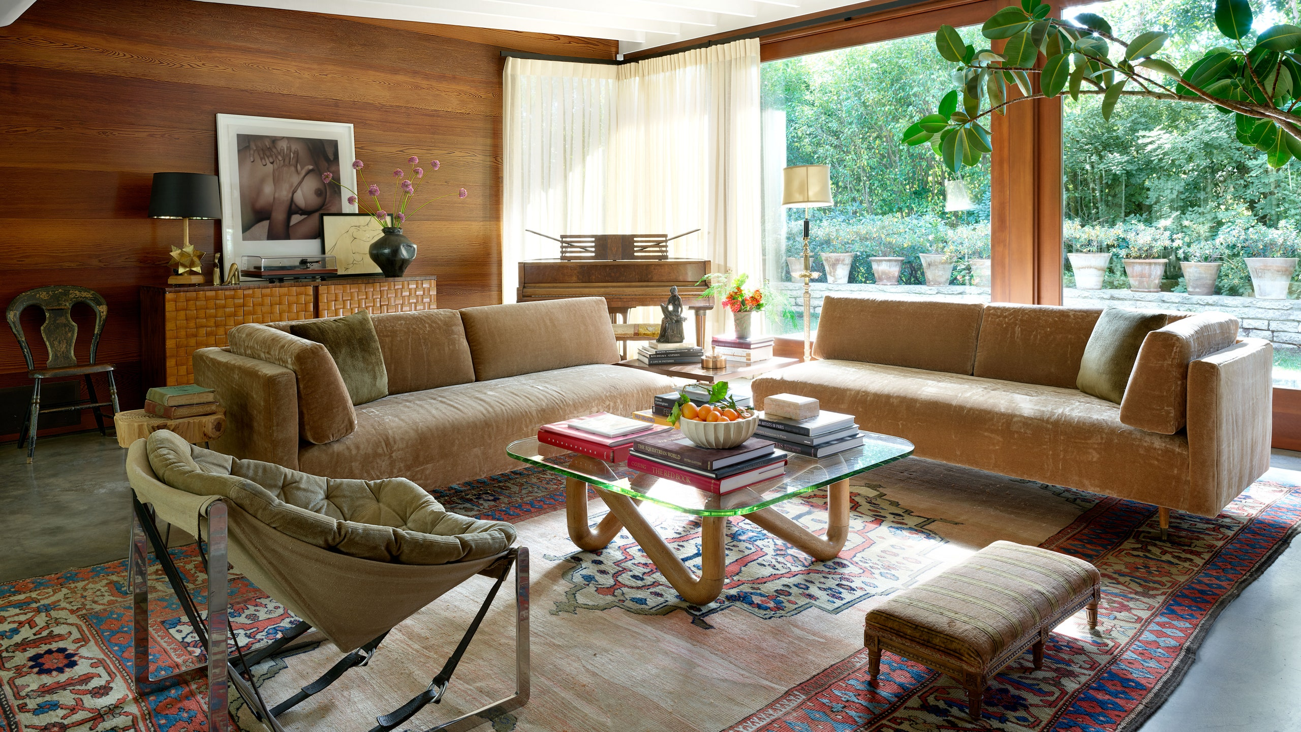 Small Garden Designs And Layouts, Celebrity Homes Tour Dakota Johnson S Mid Century House