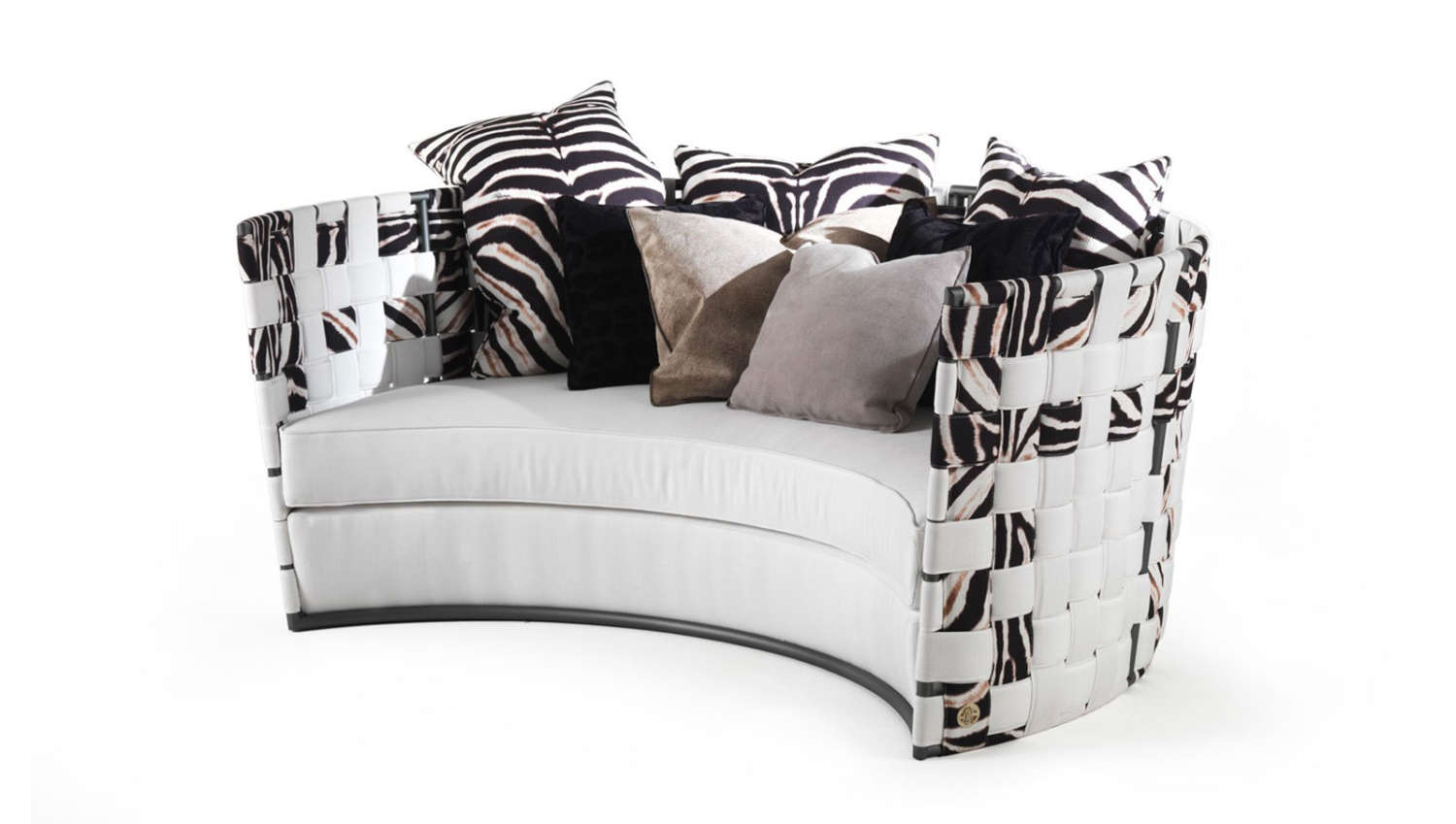 Roberto Cavalli's Outdoor Collection Embodies Indulgence roberto cavalli Roberto Cavalli's Outdoor Collection Embodies Indulgence RC FIELDER outdoor sofa with pouf slider2