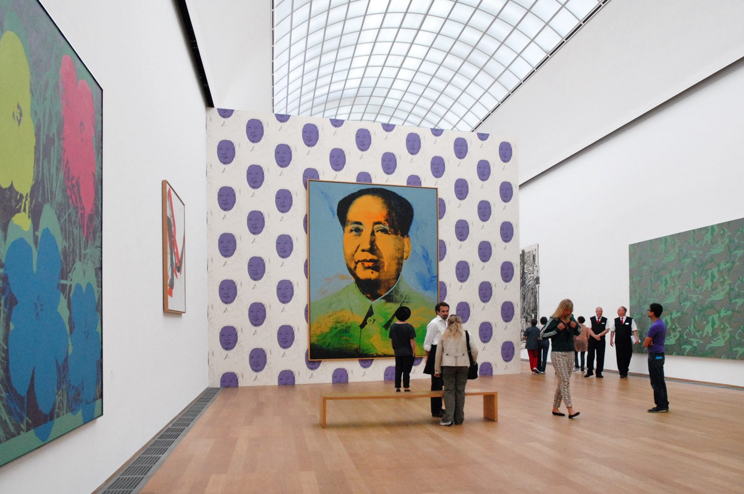 Discover Andy Warhol's Work Through This Virtual Tour andy warhol Discover Andy Warhol's Work Through This Virtual Tour Salle Andy Warhol Hamburger Bahnhof Berlin 6343757828 e1586308997123