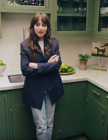 Celebrity Homes: Tour Dakota Johnson's Mid Century House dakota johnson Celebrity Homes: Tour Dakota Johnson's Mid Century House dakota johnson takes fans inside her 1st home in l a 410x532