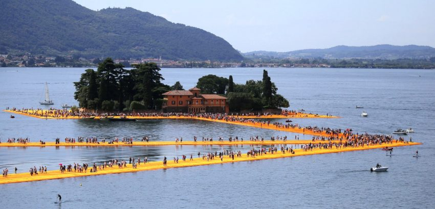 Christo: 5 Stunning Projects to Remember Him By christo Christo: 5 Stunning Projects to Remember Him By 160624120335 christo floating piers 6 850x410