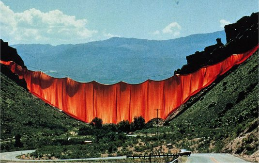 Christo: 5 Stunning Projects to Remember Him By christo Christo: 5 Stunning Projects to Remember Him By 2351b425a7abef9cd88ecd0356c014cc 535x336