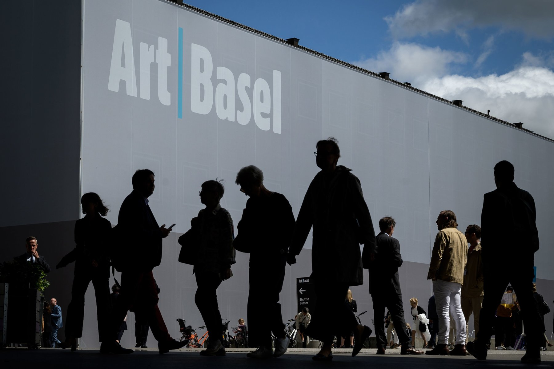 Art Basel is Launching A Virtual Show art basel What You Need To Know About Art Basel merlin 156341331 73c055b0 7346 4da7 9efc 96364794a155 mobileMasterAt3x art basel What You Need To Know About Art Basel merlin 156341331 73c055b0 7346 4da7 9efc 96364794a155 mobileMasterAt3x