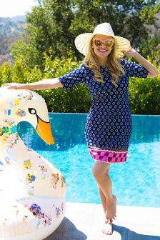 Celebrity Pools We Would Spend Summer In celebrity pool Celebrity Pools We Would Spend Summer In Celebrity Pools Reese Witherspoon 224x336