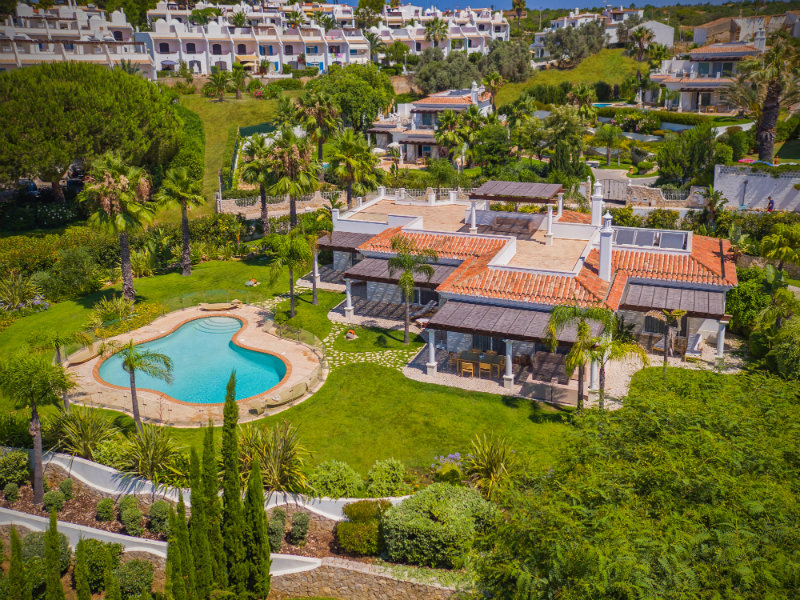 vila vita Vila Vita Hotel – A beautiful getaway in Algarve 13 Villa Al Mar Building and garden