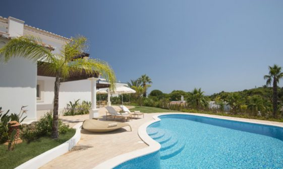 vila vita Vila Vita Hotel – A beautiful getaway in Algarve 20 Villa Atlantico Pool 561x336