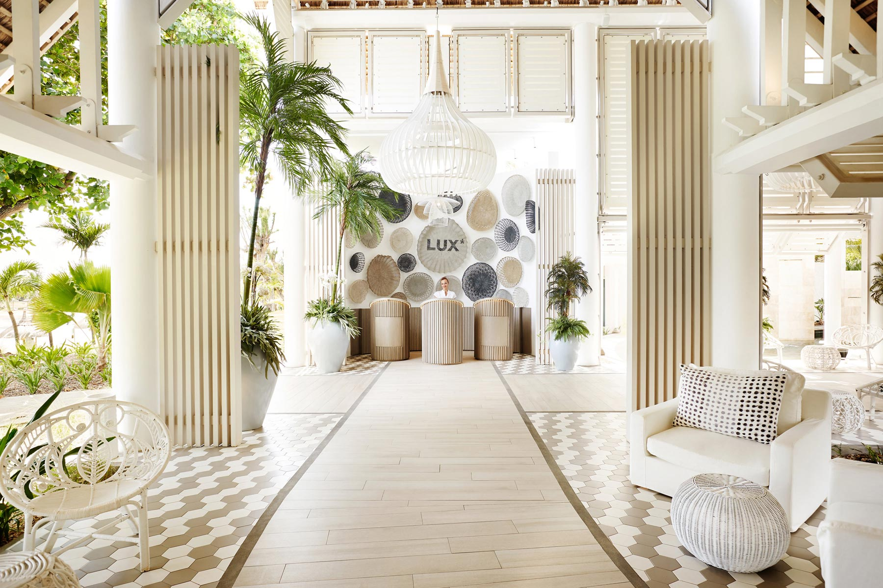 hotel design hotel design Hotel design: Luxurious hotels that will inspire you Lux Hotel Resort     Mauritius Kelly Hoppen 3