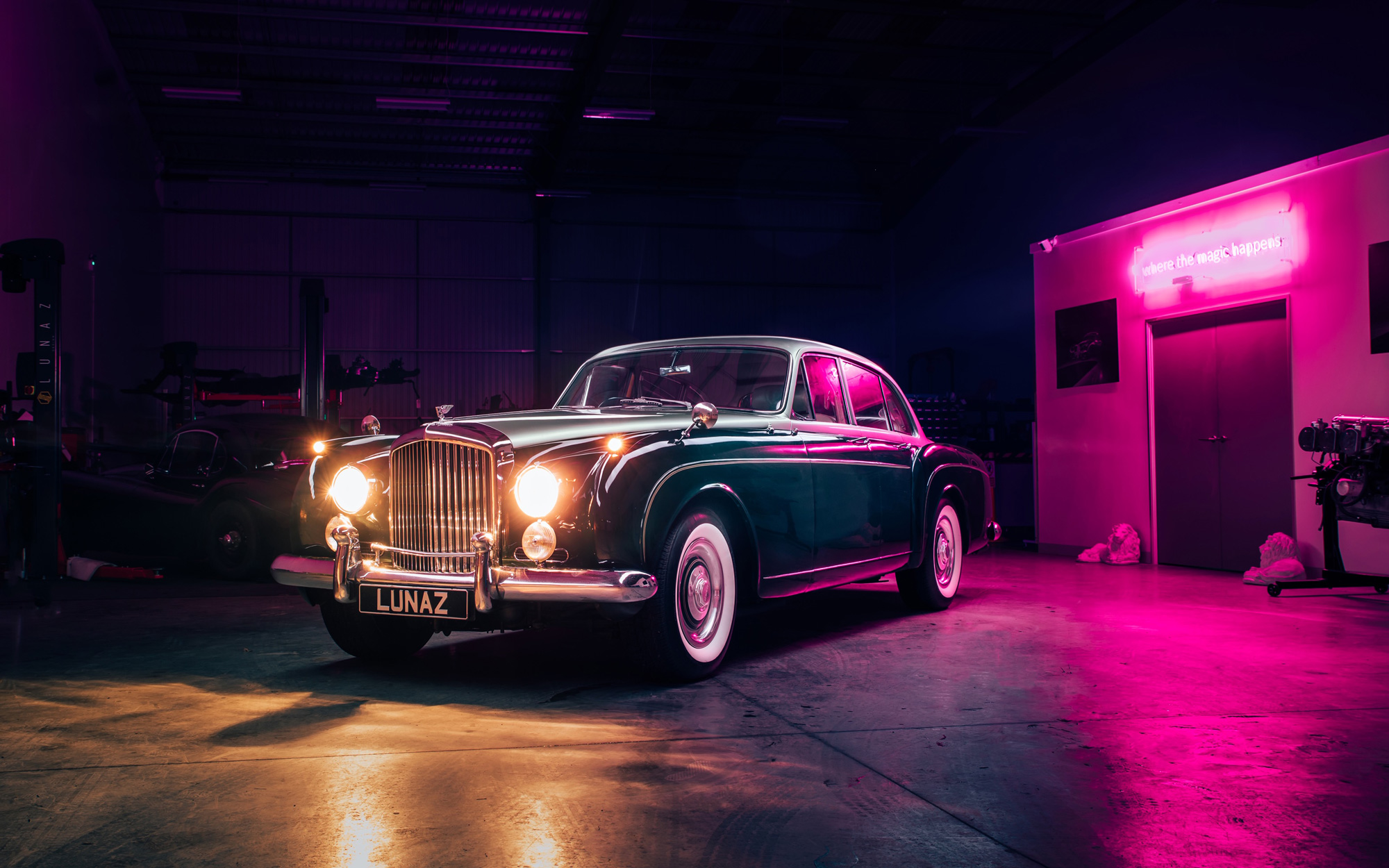classic car classic car Classic cars are back but with a twist bentley s2 flying spur 07