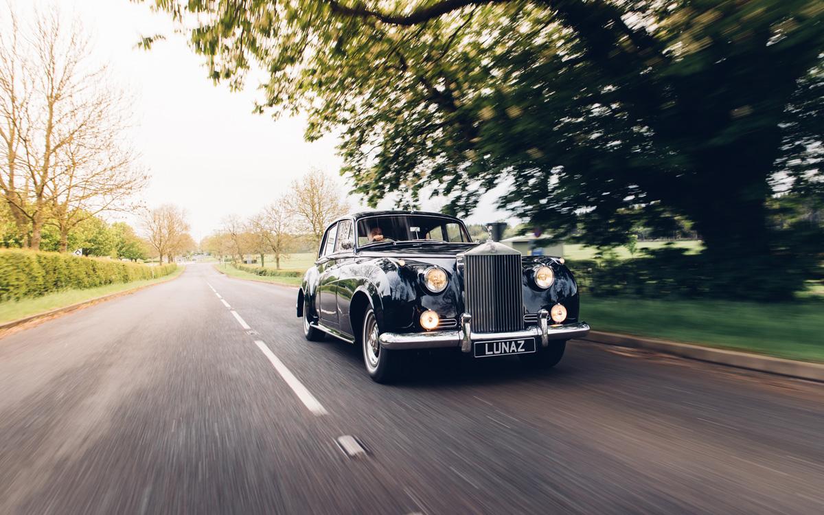 classic car classic car Classic cars are back but with a twist rolls royce cloud 05