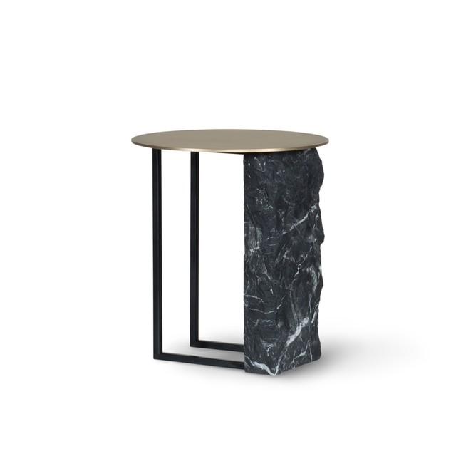 elegance reflected in the side tables Elegance Reflected in the Side Tables Image00005 1