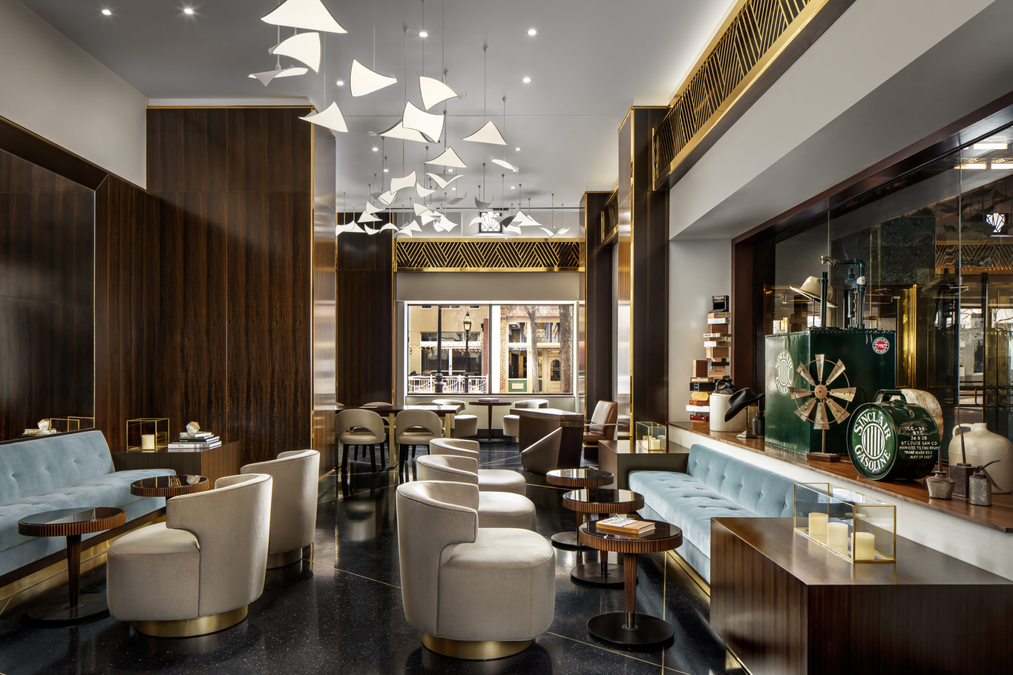 Take a Look at Dallas Best Interior Designers - Part II take a look at dallas best interior designers Take a Look at Dallas Best Interior Designers – Part II The Sinclair Best Hotel Luxury Lobby 2048x1365 1