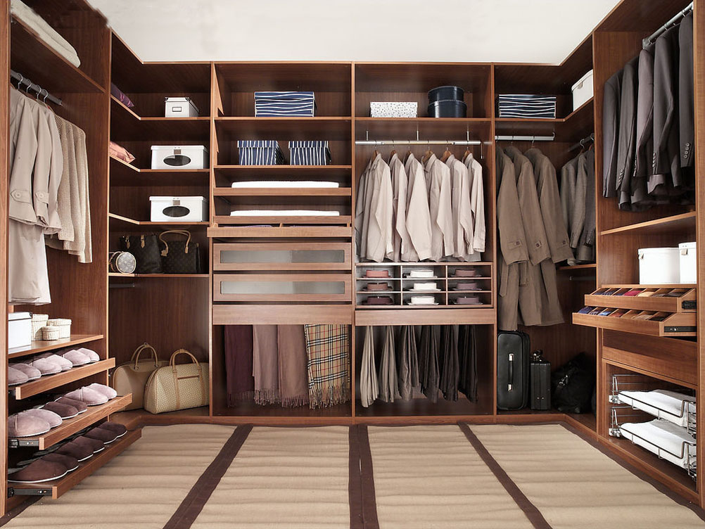 Suit Up With The Best Closet Design Trends In 2021