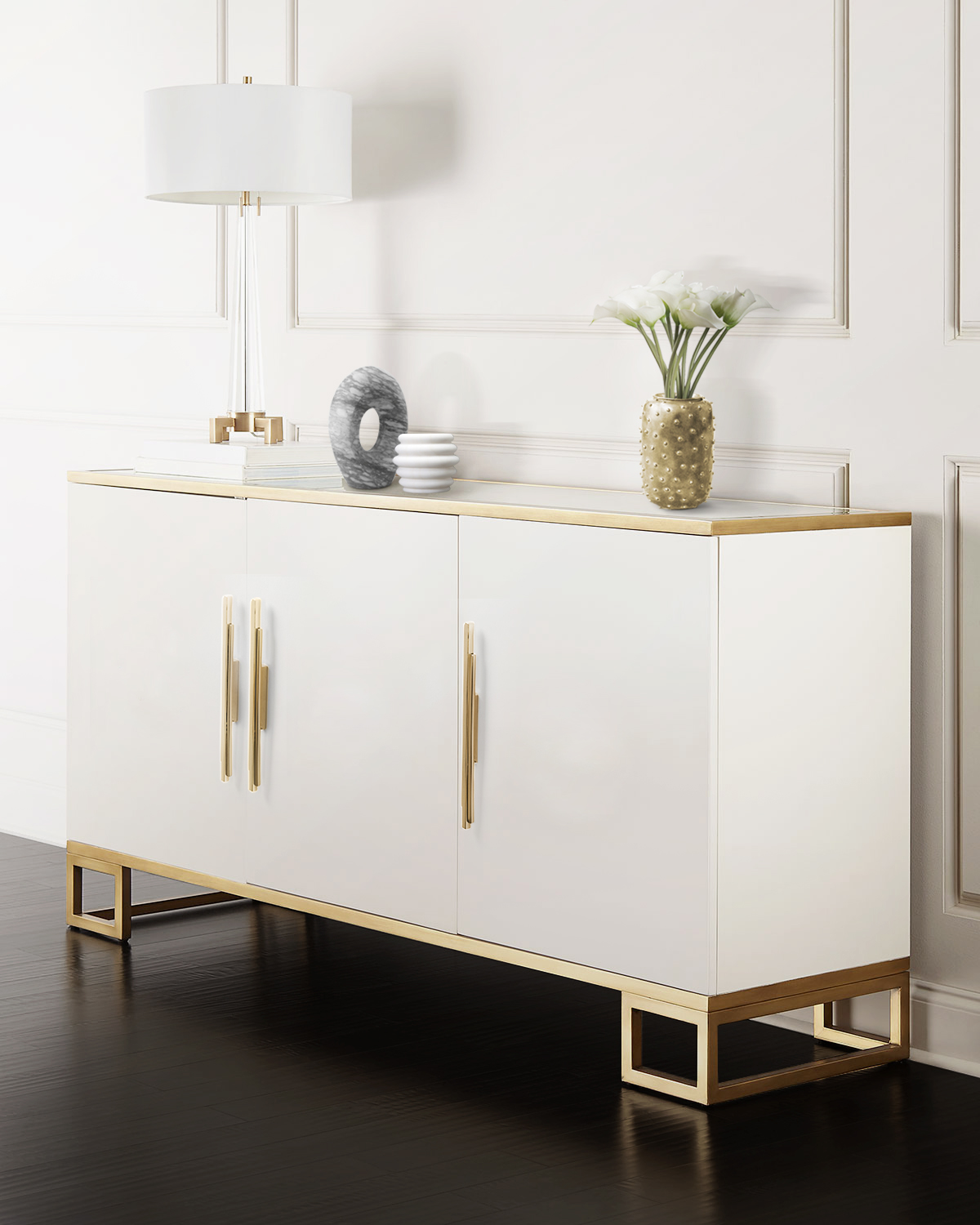 Hallway Decor for a Stunning Memorable Foyer hallway decorating Hallway decorating-fill the space with personality Skylinecm3001 sideboard